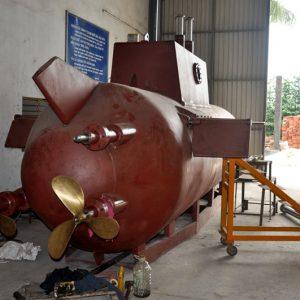 20130825082345 t3 300x300 - Doanh nhân Việt đầu tiên có tàu ngầm